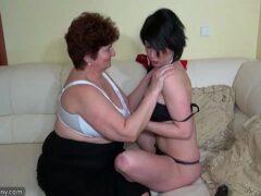 Lesbicas fazendo sexo enquanto estavam sendo filmadas