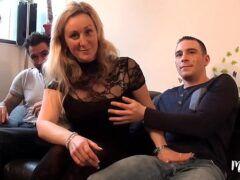 Loira gostosa xvideos fazendo sexo com novinhos