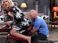 Massagem sexo com loira madura safada