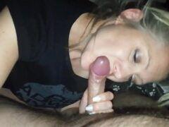 Video de sexo oral de uma coroa gata com 43 anos