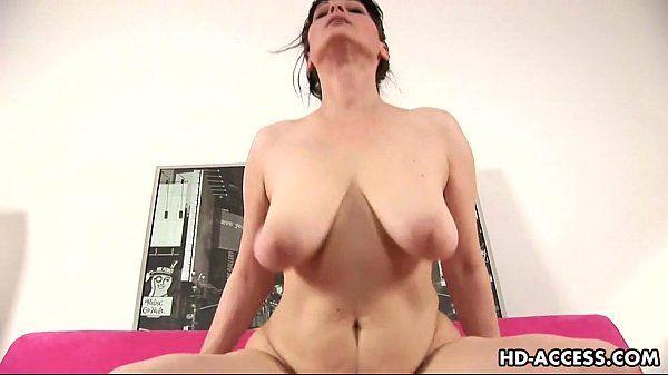 Video sexo coroa gostosa sentando na piroca