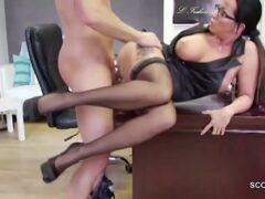 Porno com professora peituda muito safada