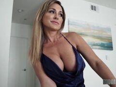 Tia dando pro sobrinho num sexo incestuoso
