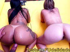 Menage sexo com duas brasileiras muito gostosas