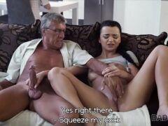 Porno sobrinha dando sua bucetinha melada