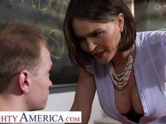 Sexo na sala de aula com professora gostosa