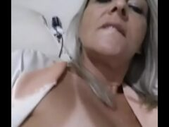 Tereza Coroa Gravou video masturbando o bucetão guloso